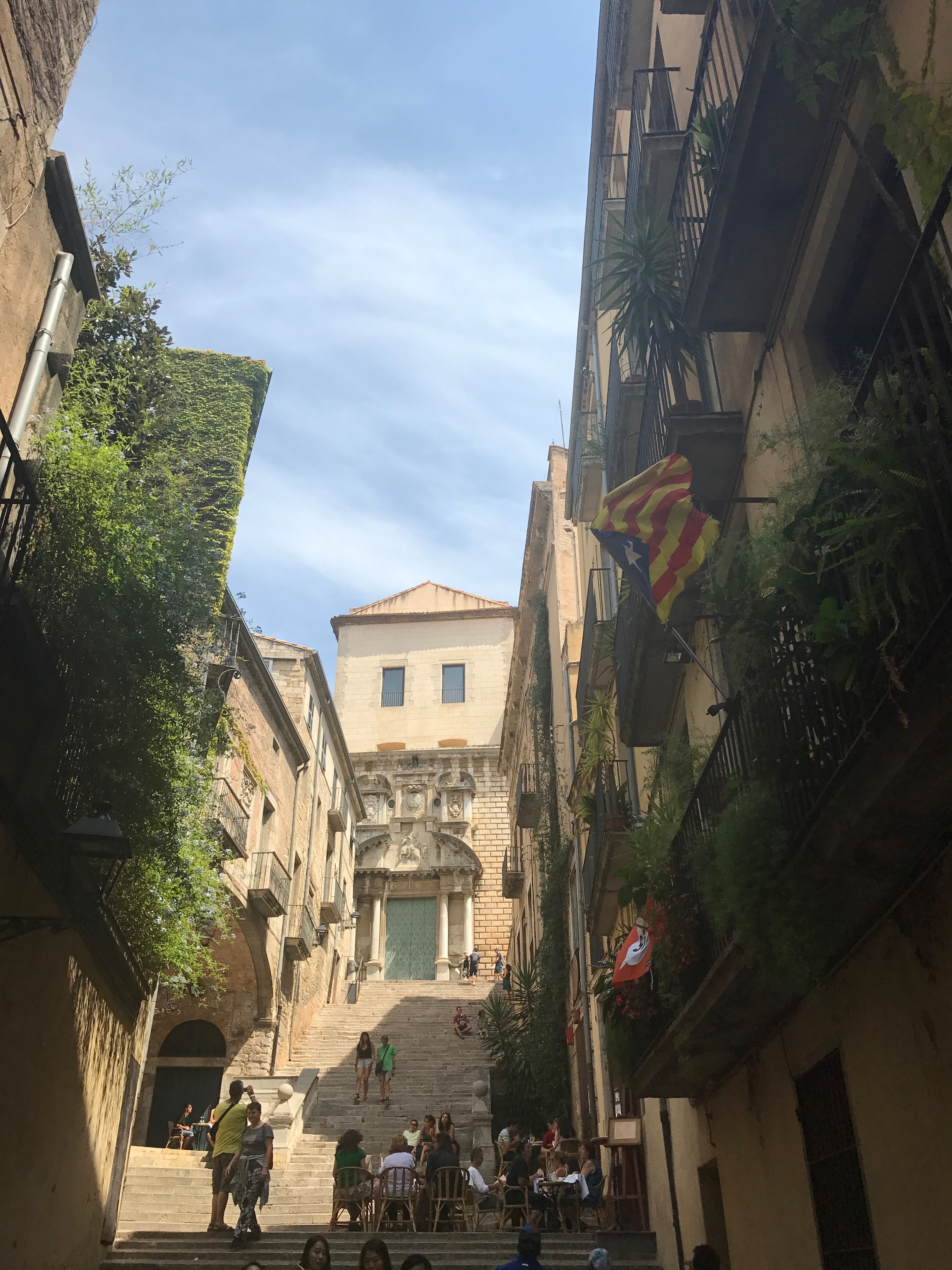 Girona Guide by Tiana Pongs